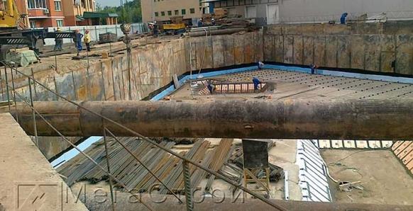 Устройство стены в грунте, разработка котлована, строительство монолитной части торгового центра по адресу г. Красногорск, ул. Ленина, 35а в 11-12г.